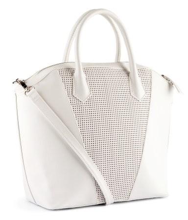 Klasyczna biała shopper bag - idealna na codzienne wyjścia (źródło: pinterest.com)