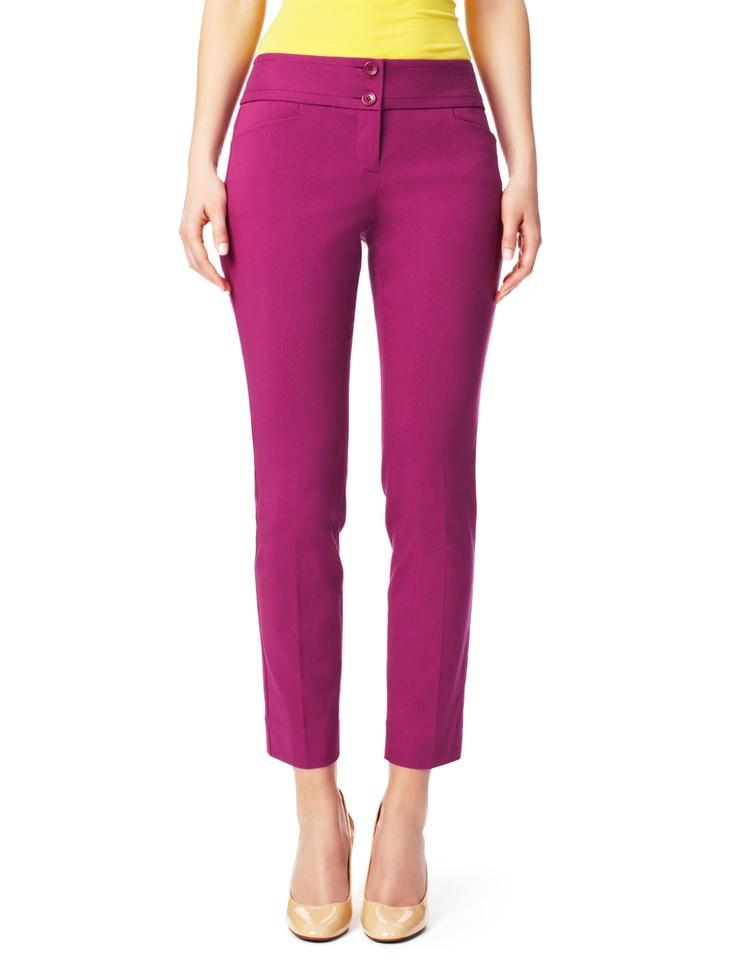 Spodnie w kant w odcieniu fuksji (źródło: pinterest.com)