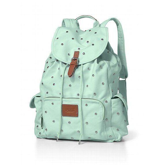 Plecak z ozdobnymi dżetami (źródło: pinterest.com)