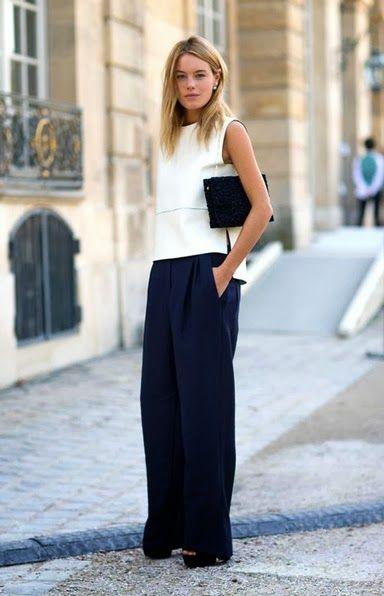 Szerokie spodnie w wydaniu eleganckim - połączone z prostą białą bluzką wyglądają bardzo stylowo (źródło: pinterest)