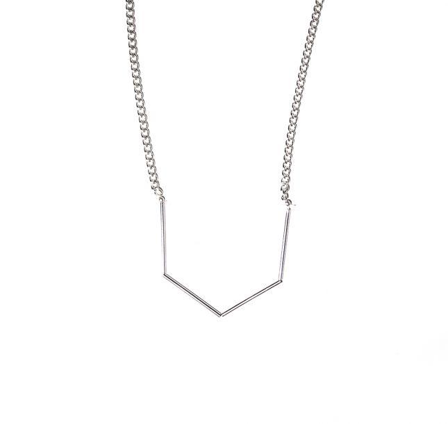 Naszyjnik geometryczny w kolorze srebra