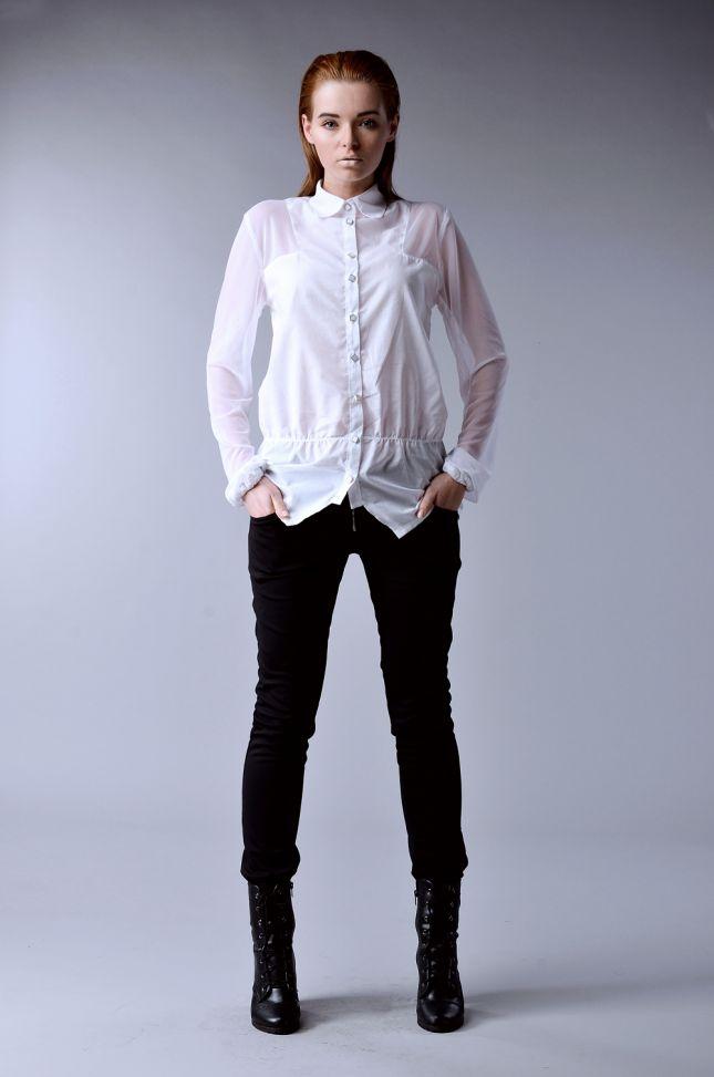 Biała koszula (źródło: www.mybaze.com)