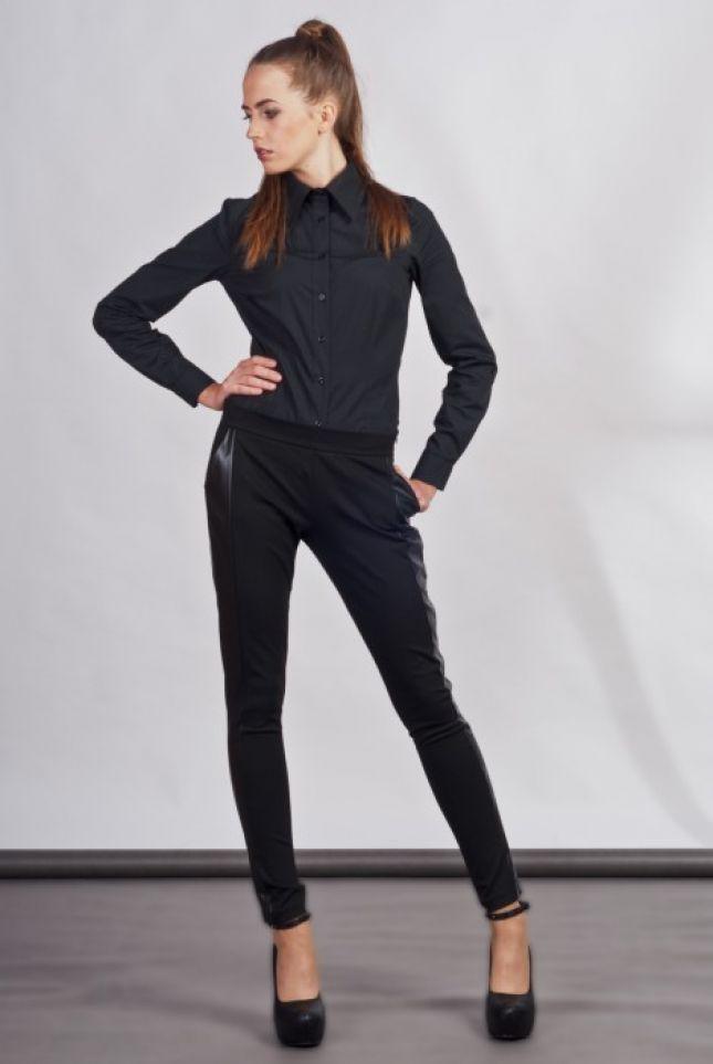Klasyczne czarne spodnie ze skórzanymi lampasami (źródło: mybaze.com)