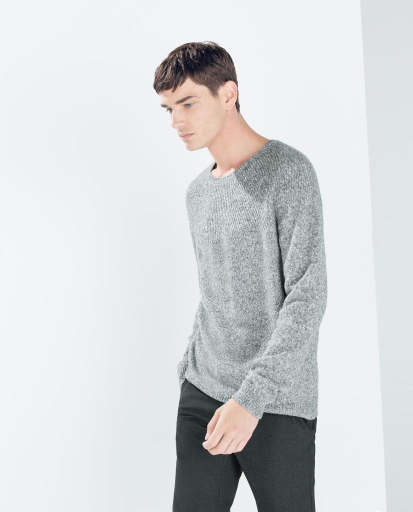 Sweter z karczkiem (źródło: zara.com)