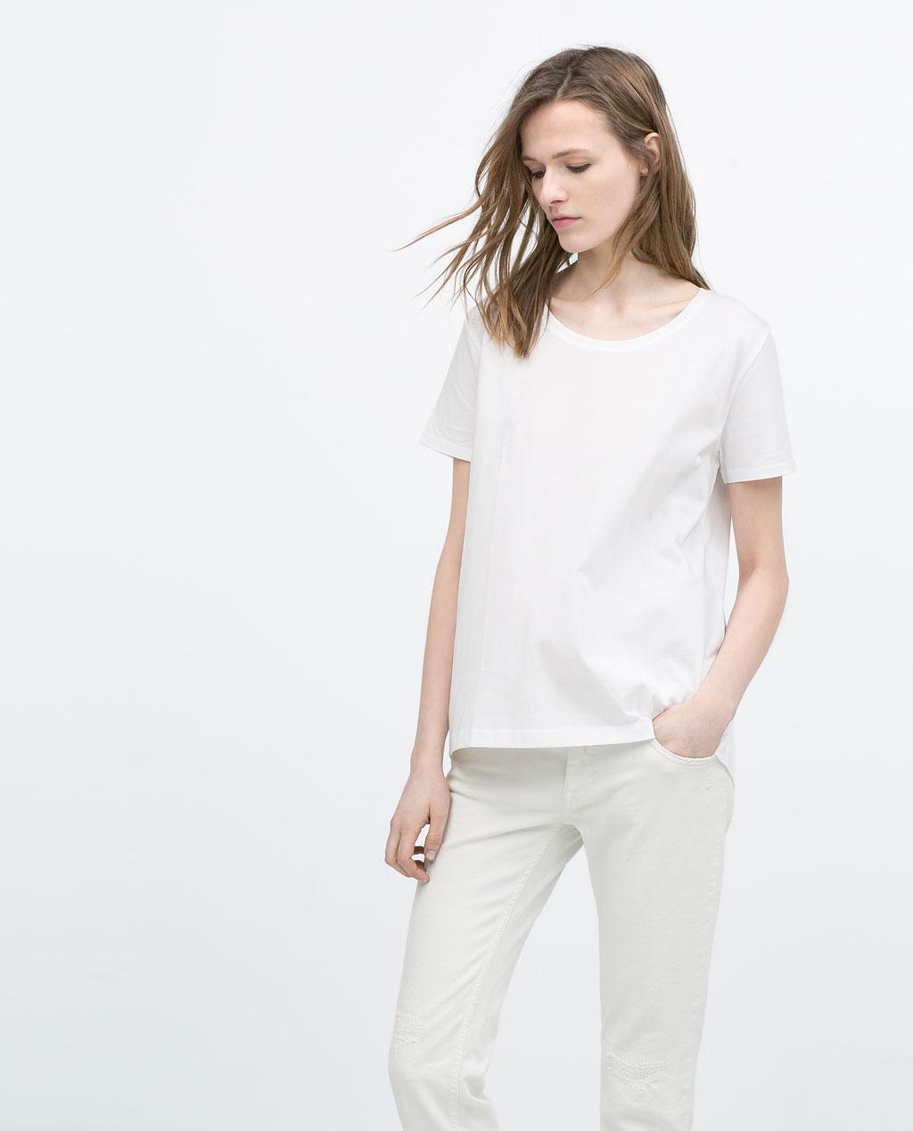 klasyczny biały t-shirt (źródło: zara.com)