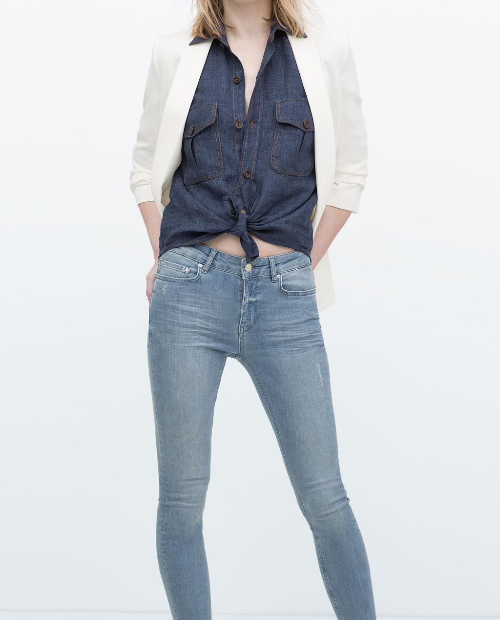 jeansowe rurki (źródło: zara.com)