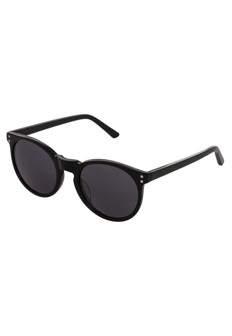 okulary przeciwsłoneczne (źródło: zalando.pl)