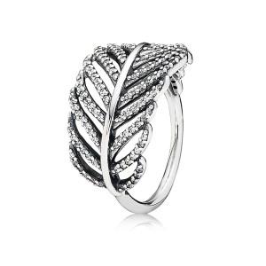 pierścionek w kształcie listka z cyrkoniami