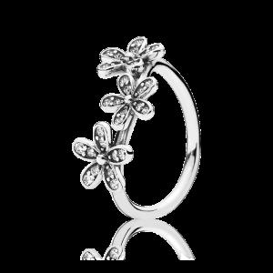 pierścionek z kwiatuszkami i cyrkoniami