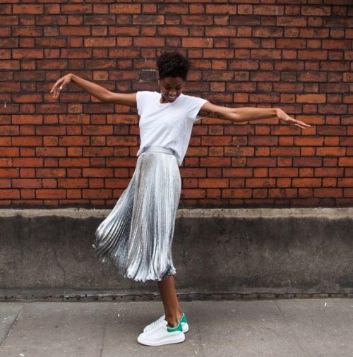 jak nosić plisowaną spódnicę