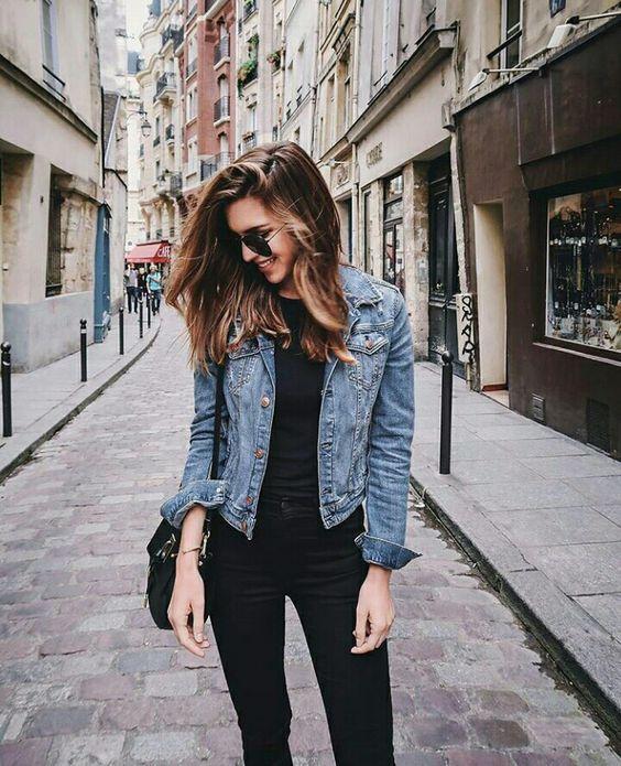 jeansowa kurtka stylizacje
