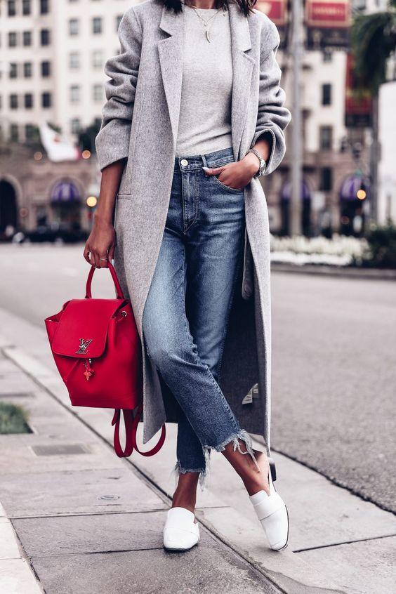 modny szary płaszcz